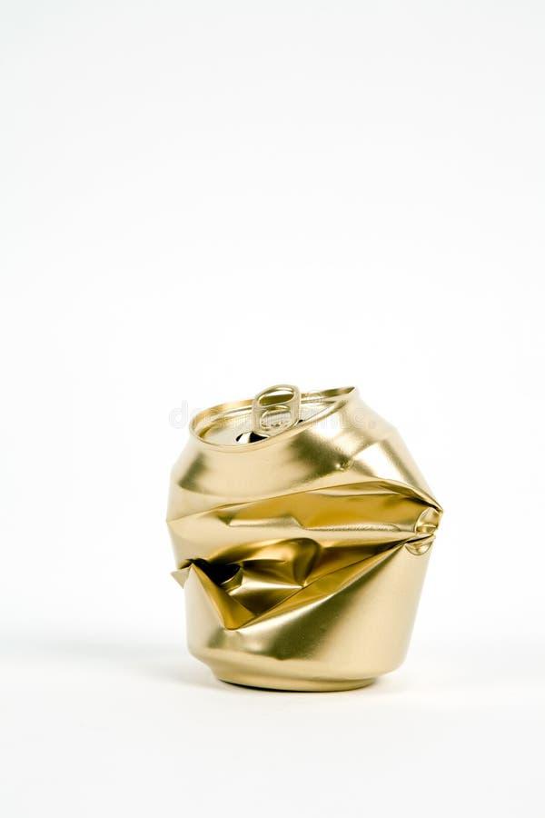 Zerquetschte Golddose lizenzfreies stockbild