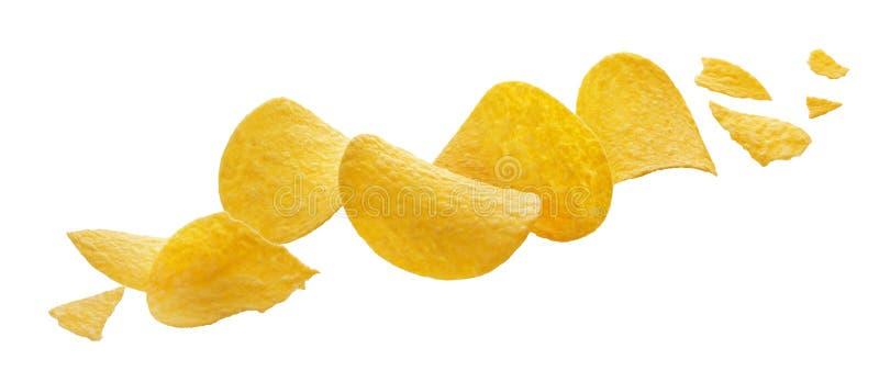 Zerquetschte Kartoffelchips lokalisiert auf weißem Hintergrund stockfoto