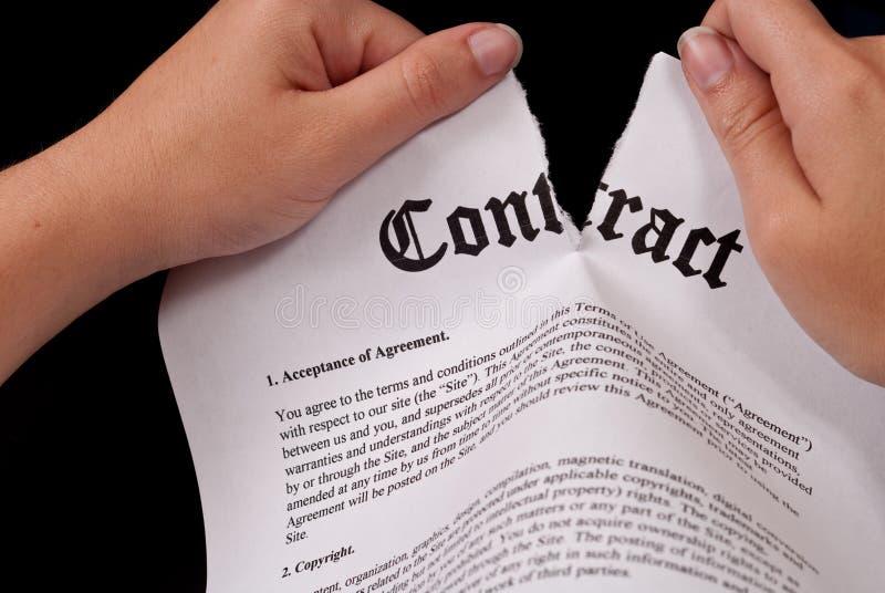Zerreißen des Vertrages stockbilder