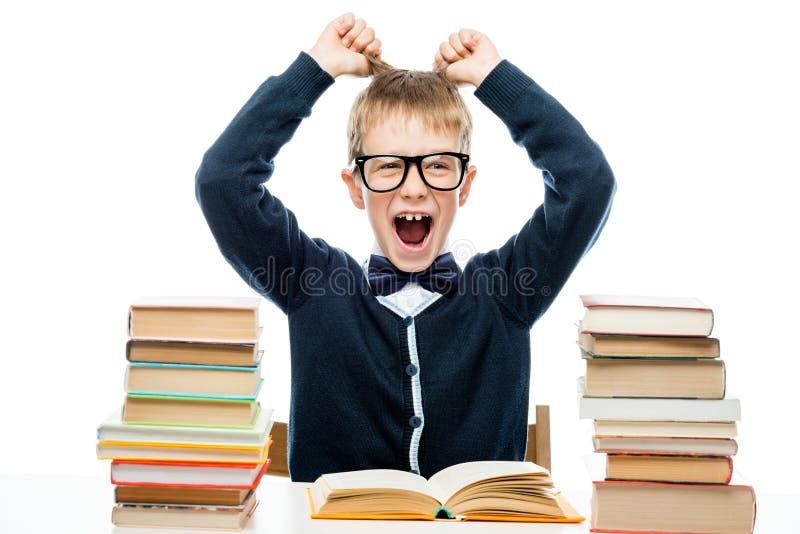 Zerreißendes Haar des Schülers auf Kopf während des Druckes lizenzfreies stockbild