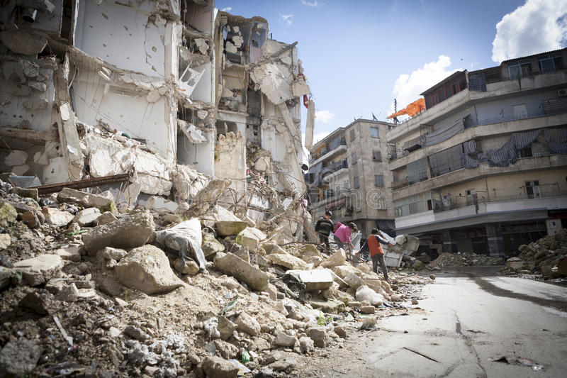 Zerstörtes errichtendes Aleppo. stockfotografie