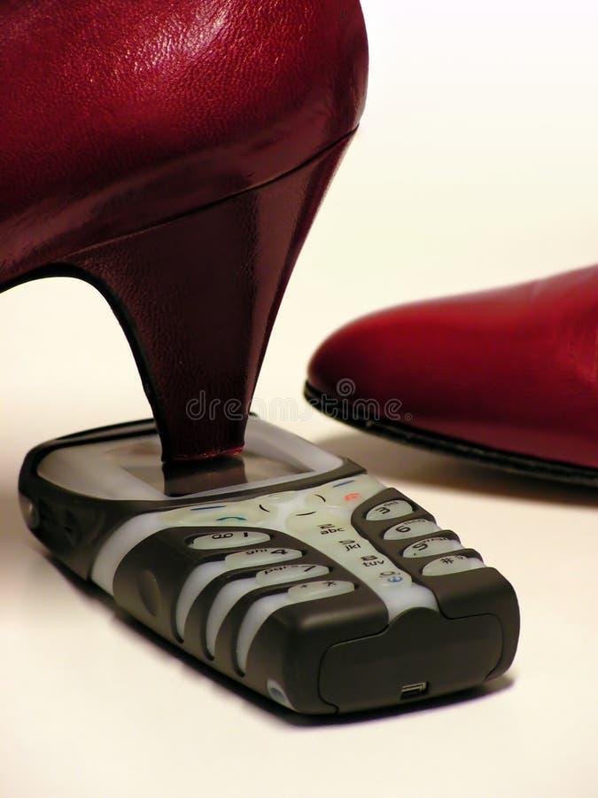 Zertrümmern des Telefons lizenzfreie stockfotos