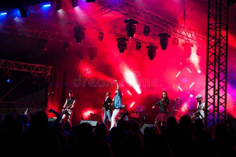 Zespół w czerwonych światłach zdjęcia royalty free
