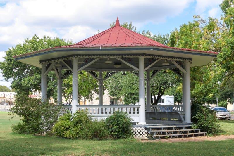 Zespołu stojak w historycznym okręgu Fredericksburg Teksas obrazy royalty free