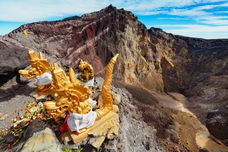 Zet Agung-vulkaankrater op stock fotografie