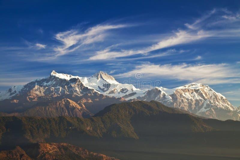 Zet Annapurna II, IV en Lamjung Himal op stock afbeeldingen