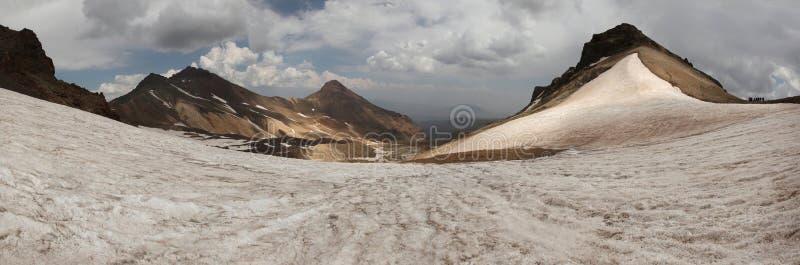 Zet Aragats, Armenië op stock afbeeldingen