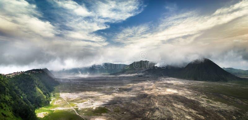 Zet Bromo met actieve vulkaan op Java, Indonesië royalty-vrije stock afbeelding