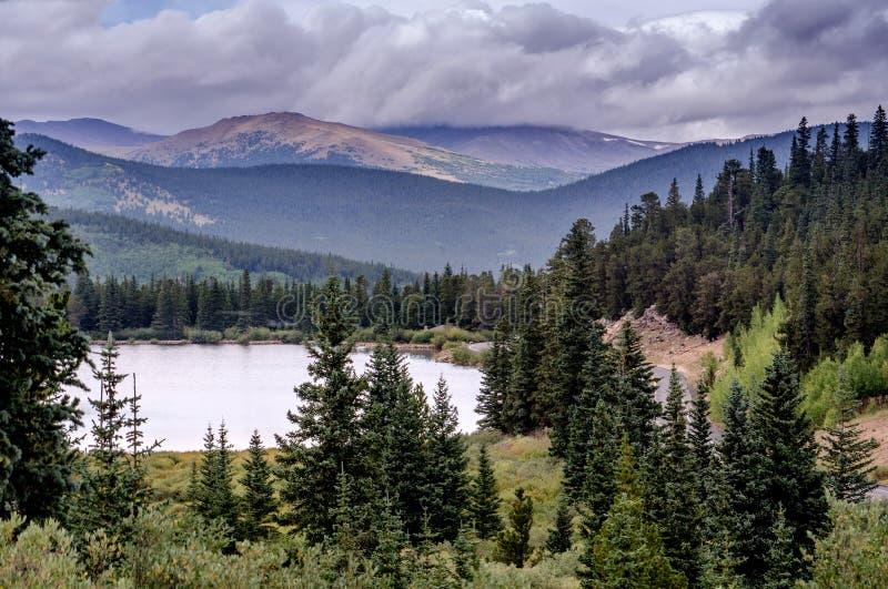 Zet de bergketen van Evans in Colorado op stock fotografie