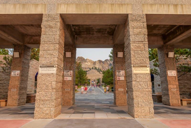 Zet de Nationale Herdenkingsingang van Rushmore op stock foto