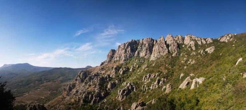 Zet demerji op Vallei van spoken crimea Panoramische landschapsmening royalty-vrije stock afbeeldingen