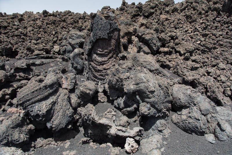 Zet Etna Erupted in de Lente op royalty-vrije stock foto's