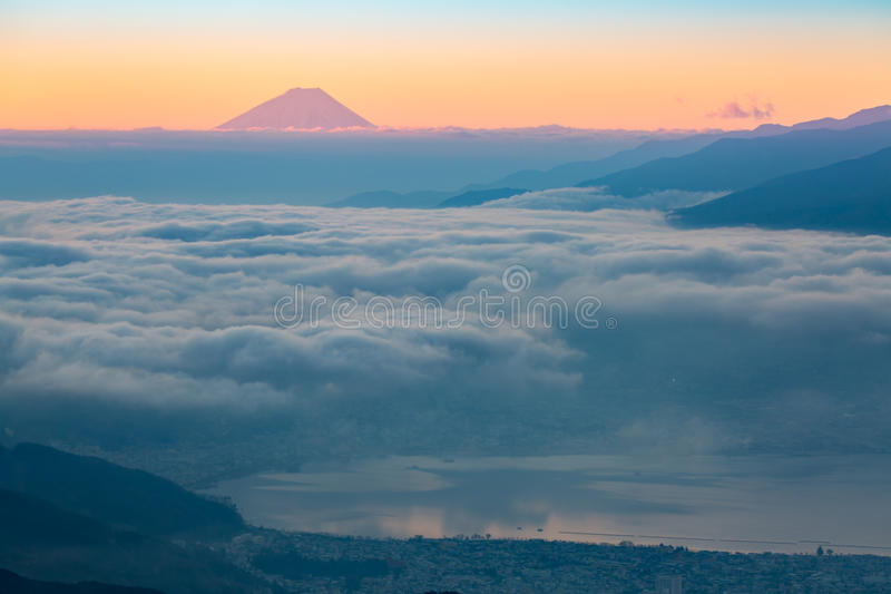 Zet Fuji-zonsopgang op stock afbeelding