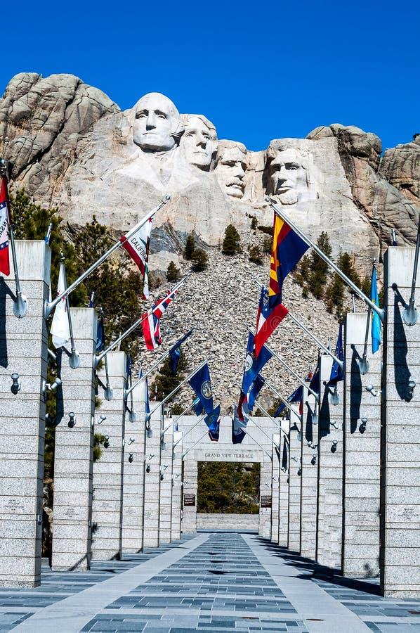 Zet het Nationale Monument van Rushmore in Zuid-Dakota op Het verstand van de de zomerdag royalty-vrije stock afbeeldingen
