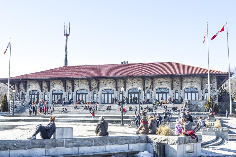 Zet Koninklijk Chalet op stock afbeeldingen