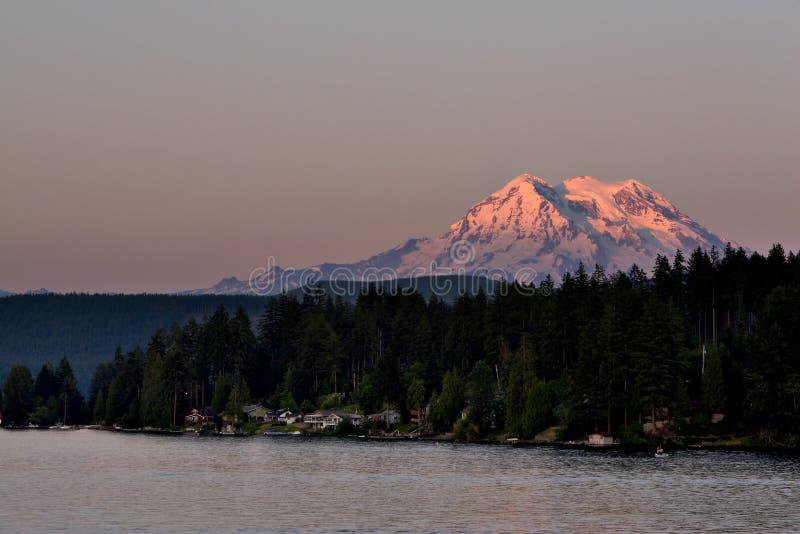 Zet Regenachtigere Zonsondergang op royalty-vrije stock afbeeldingen