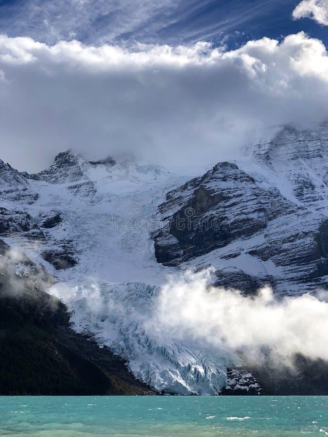 Zet Robson-gletsjer op royalty-vrije stock foto's