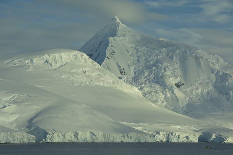 Zet William op zoals die van Haven Lockroy, Antarctica wordt gezien stock foto