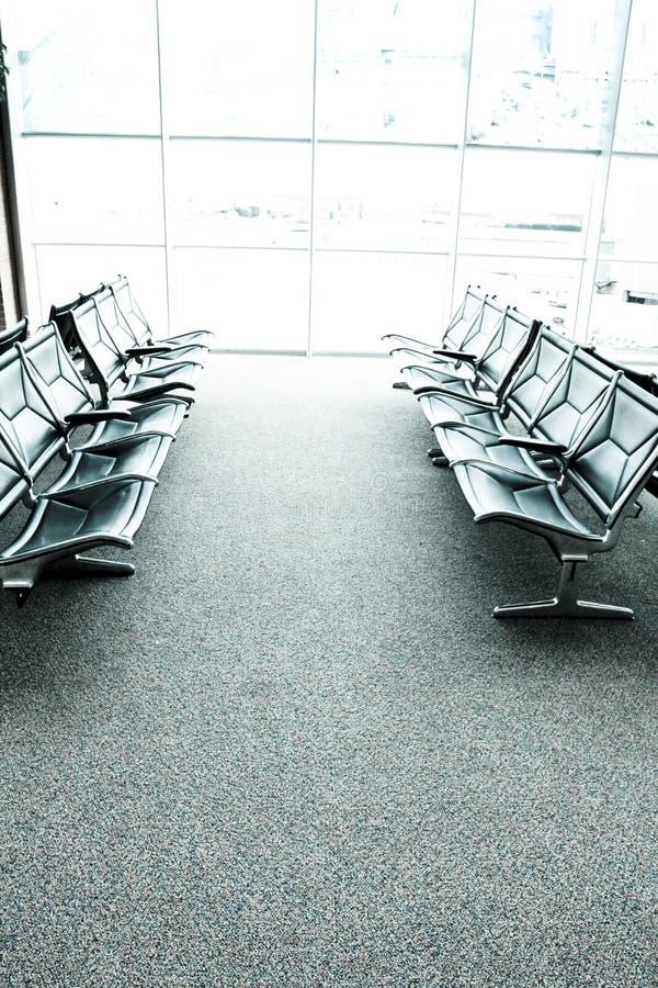 Zetels in een een luchthavenwachtkamer of zitkamer royalty-vrije stock foto's