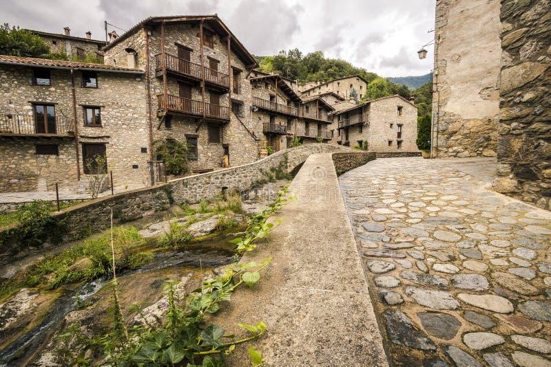 Zeugen Sie mittelalterliches Dorf, Spanien stockbild