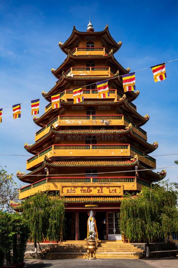 Zeven verdiepingsstupa in de pagode van Giac Lam, Ho Chi Minh City Saigon, Vietnam stock foto