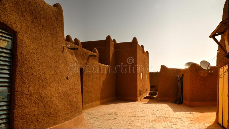 Zewnętrzny widok Agadez sułtanu siedziba, Niger fotografia royalty free