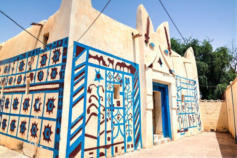 Zewnętrzny widok Dosso sułtanu siedziba, Niger obraz royalty free