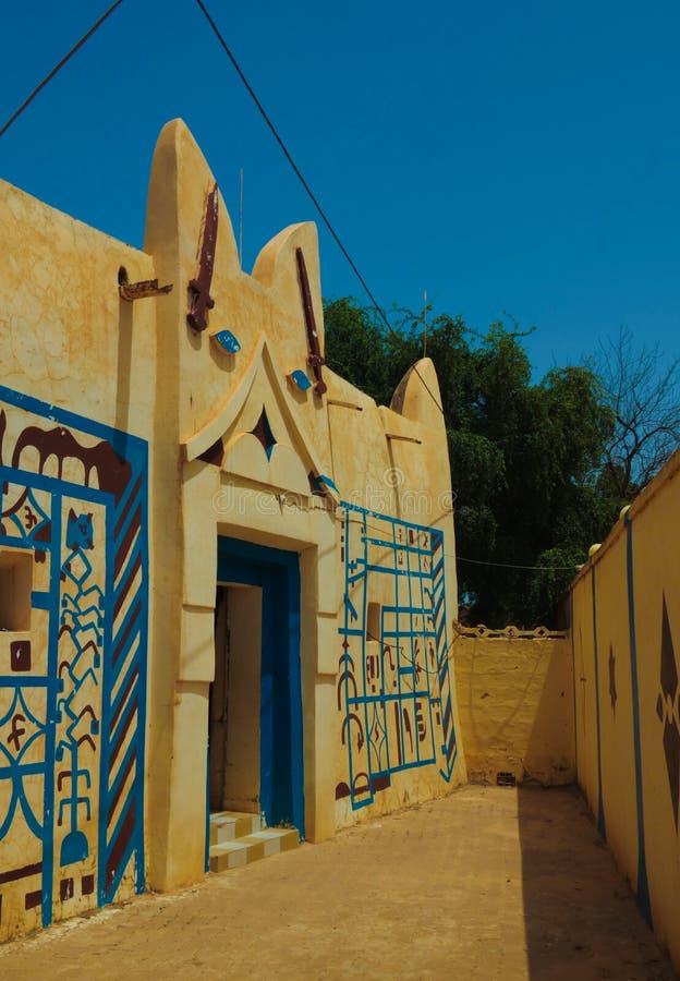 Zewnętrzny widok Dosso sułtanu siedziba, Niger obrazy royalty free
