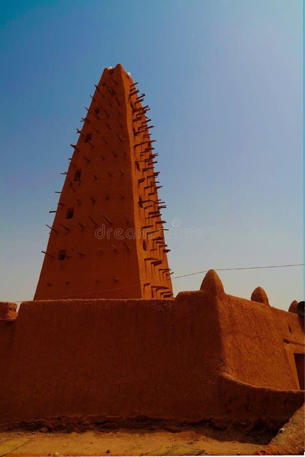 Zewnętrzny widok Uroczysty meczet Agadez, Niger fotografia royalty free