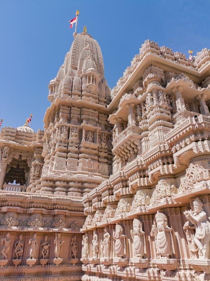 Zewn?trzny widok s?awni BAPS Shri Swaminarayan Mandir obrazy stock