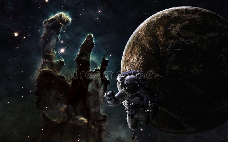 Zgłębia przestrzeń Astronauta, exoplanet i filary tworzenie, Elementy wizerunek meblują NASA zdjęcie royalty free