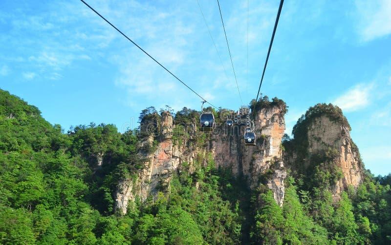 Zhangjiajie Chiny, Maj, - 12, 2017: Wagon kolei linowej w Wulingyuan w Zhangjiajie parku narodowym, Chiny zdjęcia royalty free