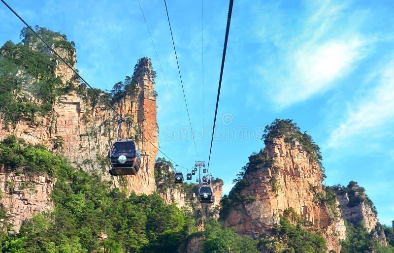Zhangjiajie Chiny, Maj, - 12, 2017: Wagon kolei linowej w Wulingyuan w Zhangjiajie parku narodowym, Chiny zdjęcie royalty free