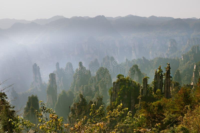 Zhangjiajie Forest Park Gigantische pijlerbergen die van de canion toenemen Keizerkeizer ` s het Schrijven Borstelpiek, Tianzi royalty-vrije stock afbeeldingen