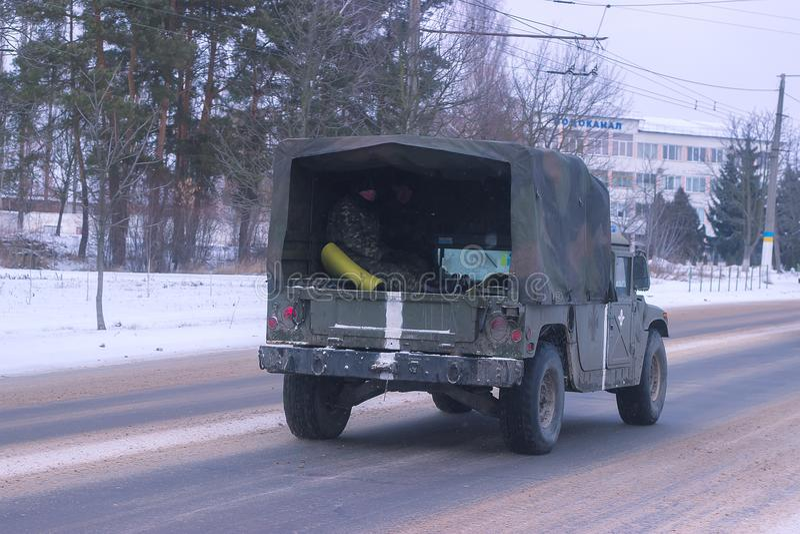 Zhytomyr, Ucrânia - 14 de março de 2014: Carro militar velho, transporte do exército fotografia de stock royalty free
