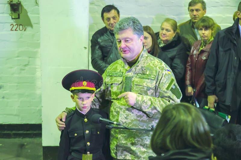 ZHYTOMYR UKRAINA, Oct, - 10, 2014: Prezydent Petro Poroshenko wziąć część w otwarcie zbiornika fabryce fotografia royalty free