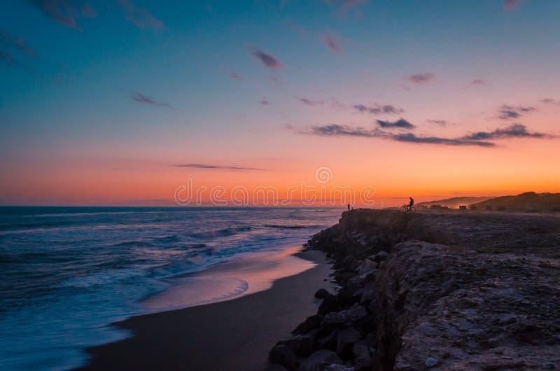 Zie landschapshemel siluete stock fotografie
