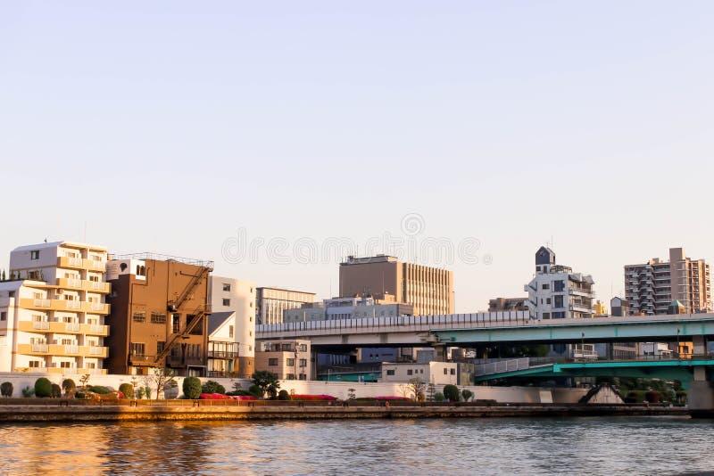 Zie Weergeven van cityscape bij het gezichtspunt van de sumidarivier, Japan stock afbeeldingen