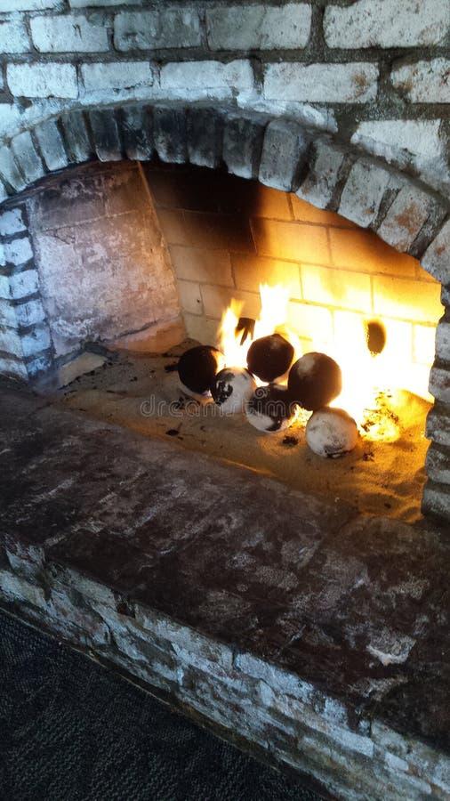 Ziegelstein-Kamin stockfoto
