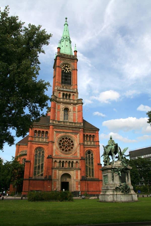 Ziegelstein-Kirche lizenzfreies stockbild