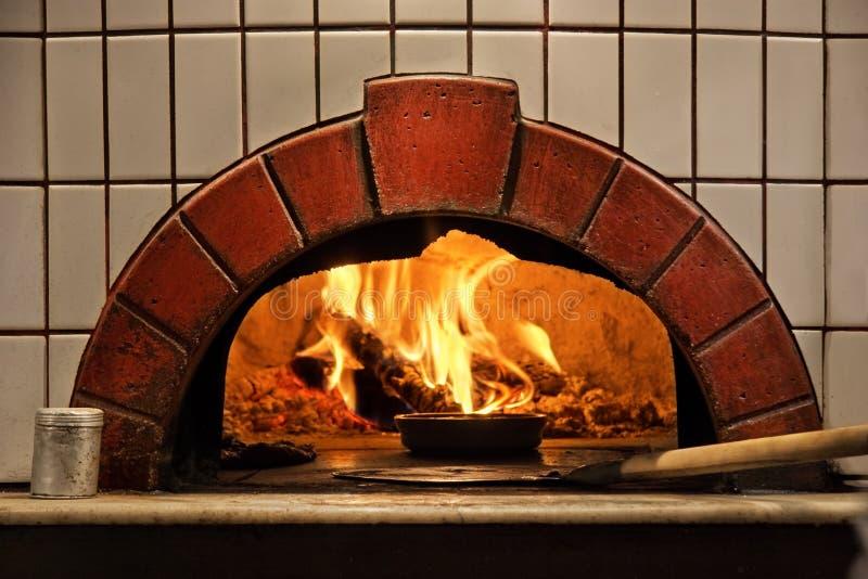Ziegelstein-Ofen lizenzfreies stockbild