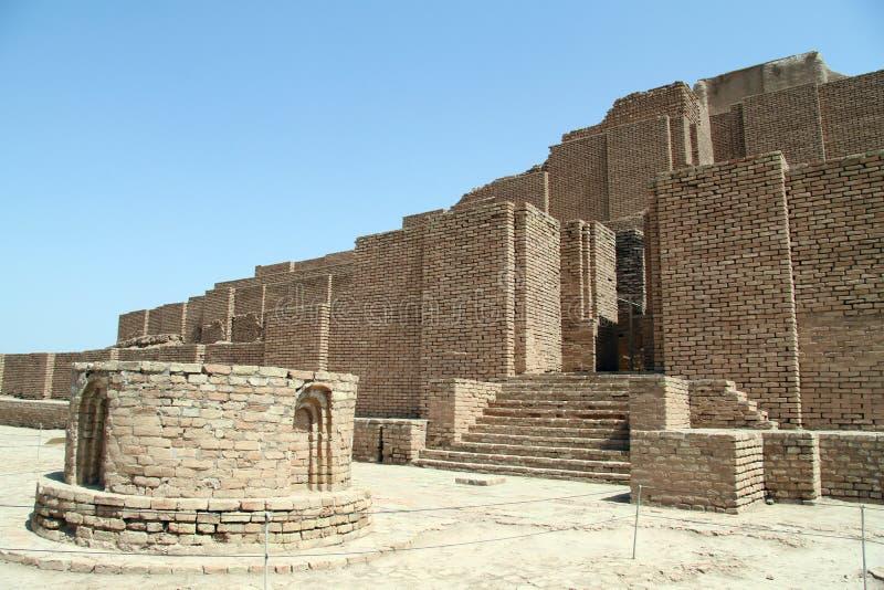 Ziegelstein ziggurat stockfotografie