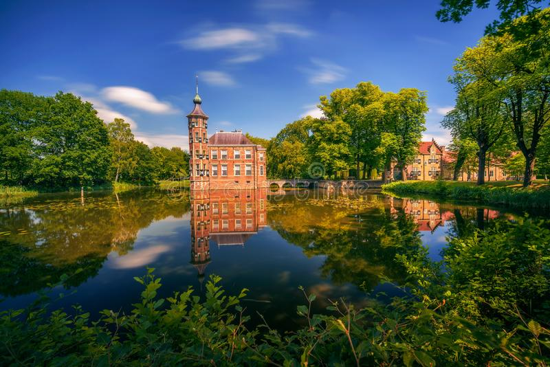 Ziehen Sie sich Bouvigne und den umgebenden Park in Breda, die Niederlande zurück lizenzfreies stockfoto