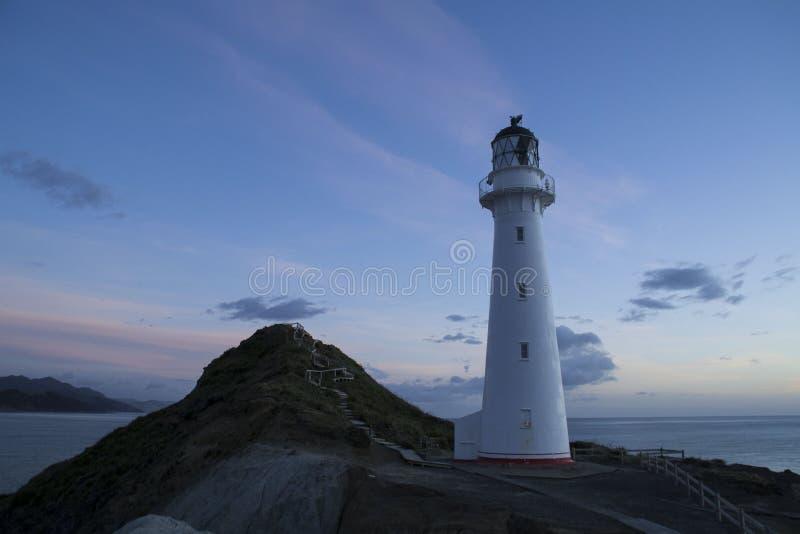 Ziehen Sie sich Punktleuchtturm, Nordinsel, Neuseeland zurück lizenzfreie stockbilder