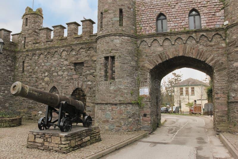 Ziehen Sie sich Ruinen zurück Eingangs-Bogen Macroom irland lizenzfreies stockfoto