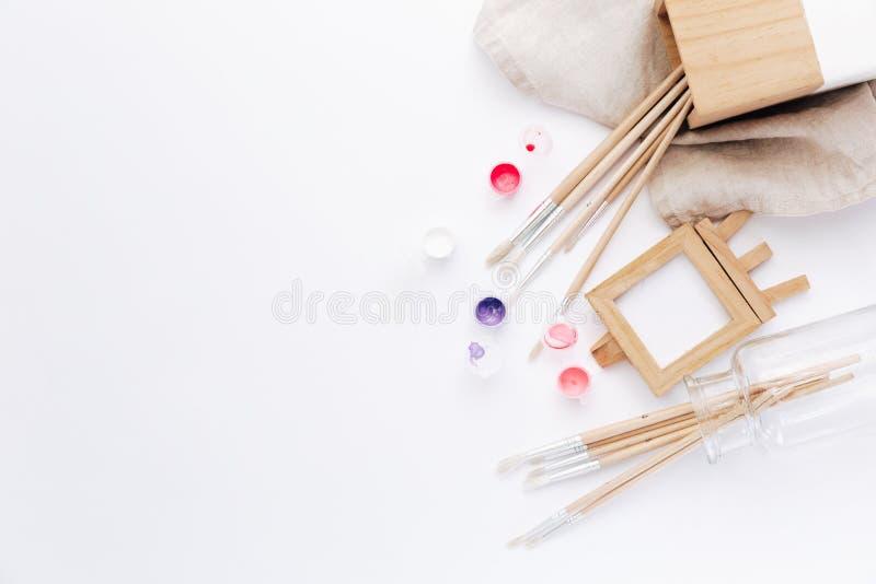 Ziehwerkzeuge, stationäre Versorgungen, Arbeitsplatz des Künstlers lizenzfreie stockfotos