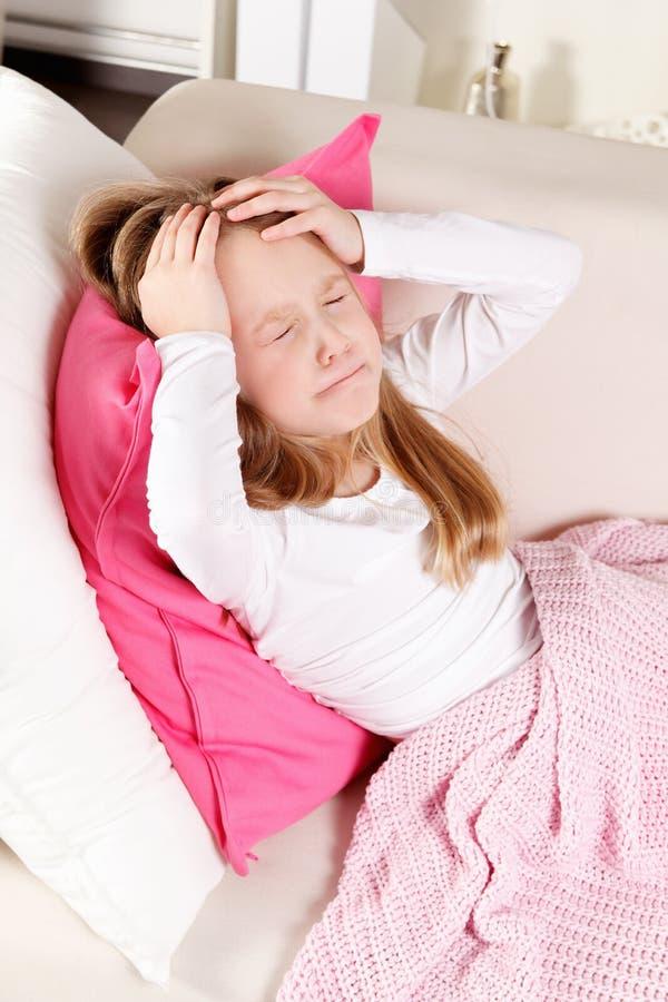 Ziek Kind met Hoofdpijn stock fotografie