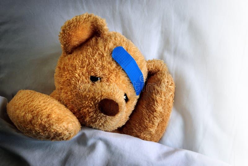 Zieke Teddy stock afbeelding