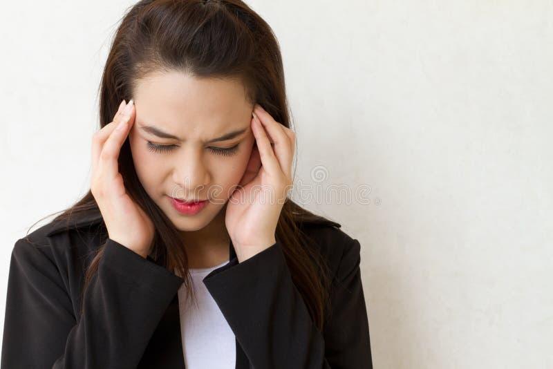 Zieke vrouw, hoofdpijn stock afbeelding