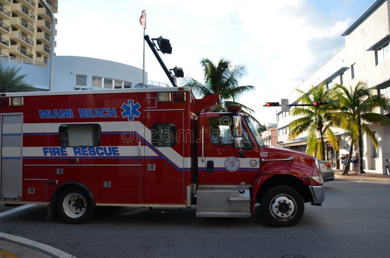 Ziekenwagen in het strand van Miami in het strand van Miami stock afbeelding